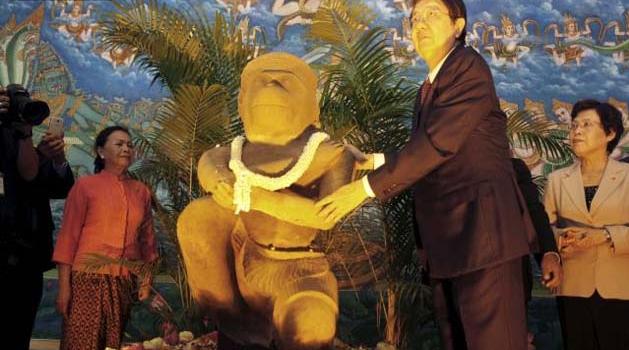 Ancient Statue Of Hindu God Hanuman Returned To Cambodia