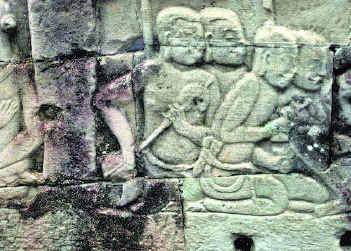 One panel in Vaikunta Perumal temple (Kanchipuram) showing Ksie deiv musical instrument