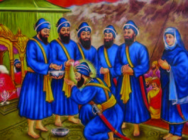 Bhai Mohkam Singh performing the Amrit Sanskar Ceremony on 30 March 1699